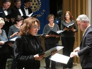 Un momento del concerto della Schola Cantorum diretta dal maestro Paolo Gragnoli