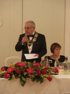 Il saluto del Presidente Sandro Fornaciari; accanto a lui la moglie Lucia