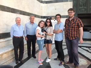 Non solo musica ma anche arte e cultura: non poteva mancare una visita al Duomo dove i nostri amici hanno incontrato l'amico Massimo Boldrini