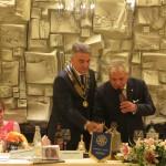 Tocco di campana a due mani con il Presidente Sandro Fornaciari che come sempre ha chiuso con il suo : orgogliosi di essere Rotariani